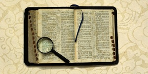 open_bible_magnifying-glass